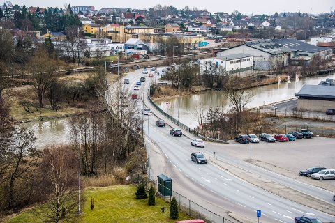 For omleggingen: Slik så det ut på Seutbrua i mars 2015 før jobben med firefeltsvei startet. Arkivfoto: Geir A. Carlsson