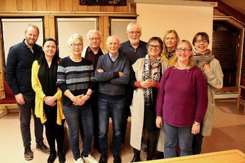 SAMLES: Et knippe medlemmer var på plass da NFU Nedre Glomma ble stiftet tirsdag kveld. Lokallaget i Norsk forbund for utviklingshemmede ble stiftet for å samle medlemmer i Fredrikstad, Sarpsborg og Hvaler når Østfold blir en del av Viken.