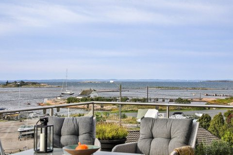 Öppna landskap: Ved Saltholmen med båthavnen som nærmeste nabo og utsikt utover havet kan sjelen få ro, om man kan investere 12 millioner kroner i boligen.