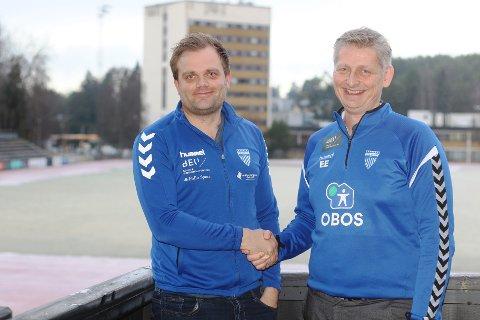 NY TRENER PÅ PLASS: Aleksander Olsen (tv.) er ny trener for Kolbotns toppserielag. Det er daglig leder i klubben, Einar Engedahl, svært tilfreds med.