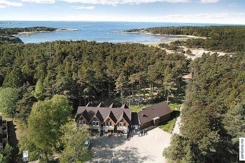 TIL SALGS: Tidligere Hvaler Resort er til salgs for 20 millioner kroner. Eiendommen er nå under omregulering og planen er at den skal romme sju helårsboliger.