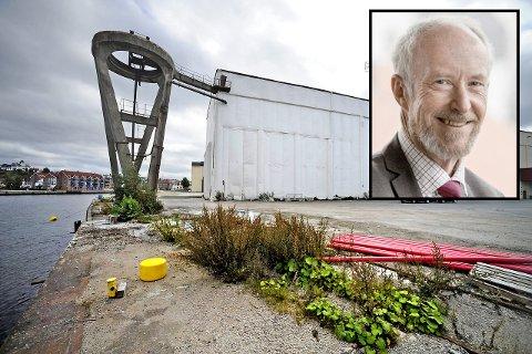 """BEKLAGET STERKT: I mange år kjempet Ole Haabeth (innfelt) for fylkesscene i Fredrikstad – først som ordfører og deretter som fylkesordfører. I planutvalget ble """"avregulering"""" av  den tenkte fylkesscenen til kulturformål, noe av det første han måtte være med på å vedta."""