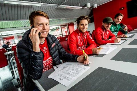 TAR IKKE NEI FOR ET NEI: FFK-spillerne selger i disse dager sesongkort. Fra venstre: Håvard Asheim, Oscar Lopez Borgersen, Ludvig Begby og Håvar Jenssen.