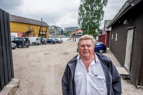 Knut Syversen (74) eier mye eiendom på Kråkerøy-siden av elva. – Vi jobber med hjertet og vil ta vare på dette unike området slik det er i dag, sier Syversen.