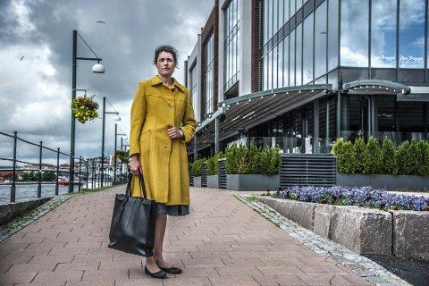 TIL SALGS: Racha Maktabi vil selge eiendommen på bryggepromenaden.