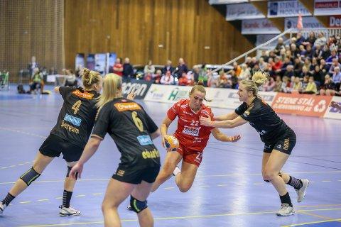 UT I KRIGEN: Andrea Rønning og FBK sikter seg inn på 5. plassen på tabellen med seier over Rælingen onsdag.