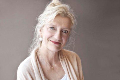 Elisabeth Strout vant Pulitzerprisen for beste skjønnlitterære bok med Olive Kitteridge i 2009. Boken ble også hennes store internasjonale gjennombrudd, og er i dag oversatt til en lang rekke språk.