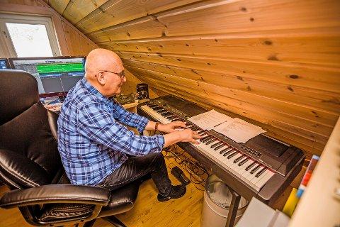 Fyller 70 år onsdag 15. mai: Svein Gundersen leter fortsatt etter den beste låten. Han har skrevet over 1.700 sanger