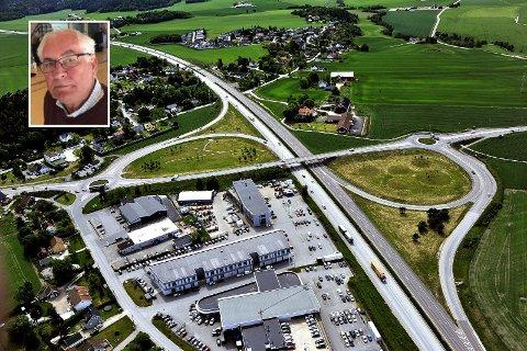 IRRITERT: Fylkespolitiker Tor Prøitz (H) reagerer kraftig på hvordan en krangel mellom Fredrikstad og Sarpsborg inntil videre har stanset planene om bygging av ny Årum bru.