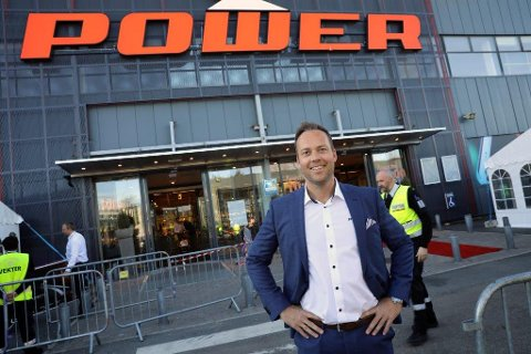 SUKSESS: Anders Nilsen fra Fredrikstad har fått fart på Power. Røde tall er snudd til pluss, og det er en stor happening hver gang et nytt varehus åpner.