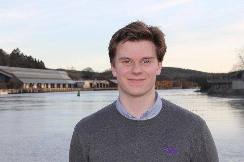 Fikk vedtatt forslag på Aps landsmøte i helgen: Mathias Lind Høyning (17) er leder i Fredrikstad AUF. (Foto: Privat)
