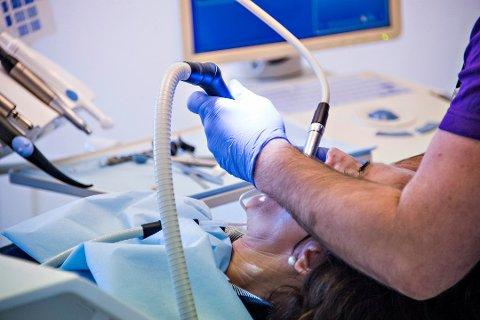 Samler det offentlige tannhelsetilbudet på ett sted i Fredrikstad: Den nye klinikken på Glemmen skal ta i mot flere tusen pasienter. (Arkivfoto: Erik Hagen)