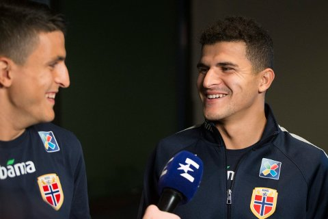 PÅ SAMLING:  Tarik Elyounoussi (til høyre) og fetteren  Mohamed Elyounoussi er klare for EM-kval mot Romania og Færøyene.