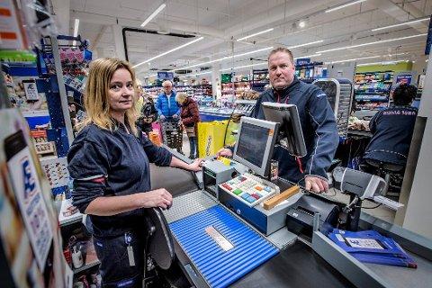 Ned og opp: Ifølge kjøpmann Mads Hemstad på Rema Sorgenfri har omsetningen økt hittili 2019 sammenlignet med tidligere. Den gikk ned etter at butikken flyttet fra Selbak.