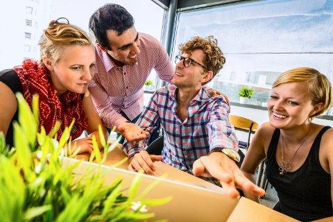 Mandag var flere startups samlet hos Drivhuset på høgskolen. Hele denne uka skal de samles med næringsliv og akademia i forbindelse med Popup Coworking Week.