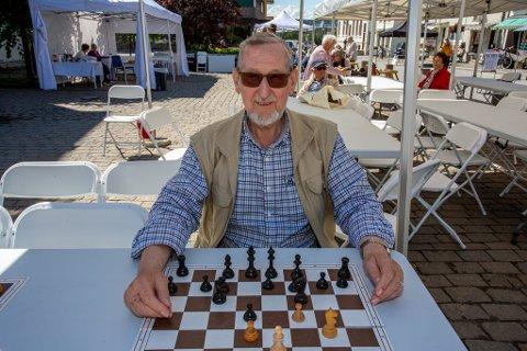 Sjakkentusiasten Bjørn Berg Johansen (77) gir seg med Borgedagene.