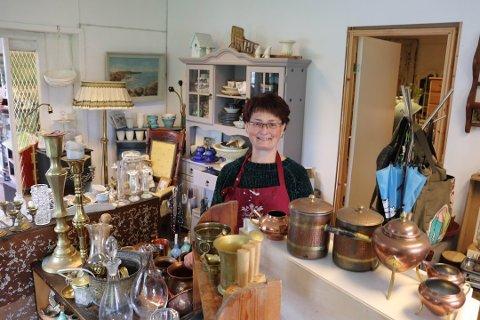 FLYTTER DRØMMEN TIL GREÅKER: For et år siden bestemte Nina Mathiesen (48) seg for å satse på drømmen om møbelfornyelse på Ski. Nå flytter hun hele drømmen til Greåker og åpner forretning i august.