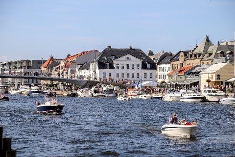 Det meldes om varme dager både i Norge og i Europa den kommende uken. Her fra årets Tall Ships Races i Fredrikstad.