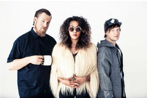 På Stortorvet. Hiphopgruppa Awesomnia spiller  under markeringen av Verdens overdosedag 31- august.