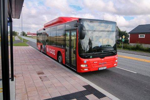 16 kilometer feil: Sjåføren på morgenbussen og rute 101 klarte å kjøre sørover på E6, fremfor nordover til Kalnes. Det ble en ekstratur på 16 kilometer.