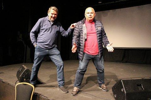 GJØR STAS PÅ JØRN: Pål Nielsen (t.h.) og Jens Olav Simensen vil gjøre litt ekstra stas på Jørn Enger når han lanserer sin nye bok «Teater- og revybyen Fredrikstad», som tar for seg hele teaterhistorien i Fredrikstad. 20. November blir det show på City Scene