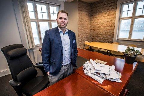 Arne Sekkelsten jobber til daglig som advokat. Han er totalt inne i sin tredje periode som representant i et kommuenstyre – først i Oppegård, nå i Fredrikstad.