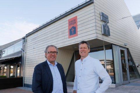 Svein Helge Rødahl (til venstre) og Per Christian Skauen inviterer til dybdesamtaler i bryggekapellet til Kirkens bymisjon.