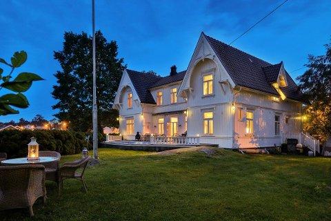 TIL SALGS: Kråkerøy prestegård er til salgs for 11,5 millioner kroner.