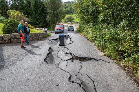 Store skader: Mange veier er blitt skadet etter uværet natt til søndag. Hestehagen på Ambjørnrød er blant veiene som er blitt hardt rammet.