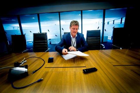 SVARER: Kommunen får kritikk for ikke å utøve sitt eierskap i Fredrikstad Energi godt nok i tråd med lover og normer. Nå vil kontrollutvalget ha mer informasjon fra konsernsjef Trond Andersen om driften i selve selskapet.