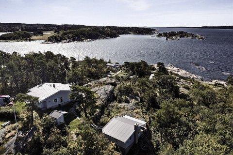 Denne eiendommen på Skjæløy er lagt ut for salg med en prislapp på 30 millioner kroner.