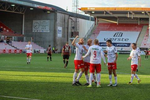 Henrik Kjelsrud Johansen scoret to mål og hadde en assist. Det gir han en sjuer på FBs spillerbørs.