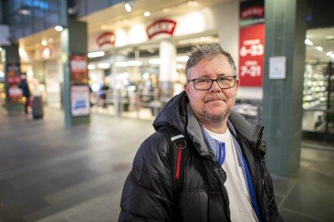 Lars Christian Larsen mener de berørte har blitt godt ivaretatt. Han har, som regiontillitsvalgt og nestleder i konsernklubben i Meny, bistått butikkmedarbeiderne.