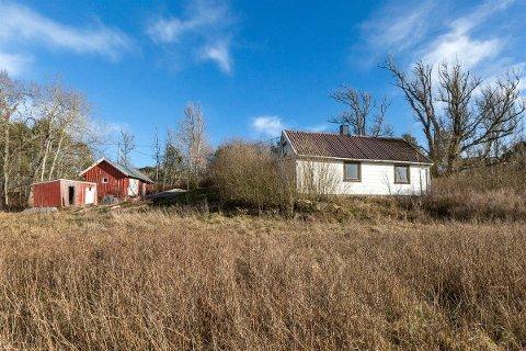 SMÅBRUK: Denne eiendommen i Moltebergveien kan bli din for 1,4 millioner kroner. Foto: Jon Lundeby/Inviso