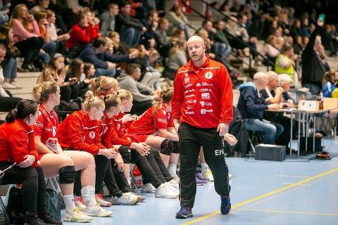 ENSOMT YRKE: Eirik Haugdal har et ensomt yrke som håndballtrener