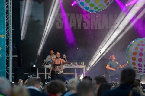 Staysman & Lazz slipper 13. februar låten «Volvo og Viagra». - Vi har med oss  Jaa9 fra Jaa9 og  OnklP , sier Thorbjørnsen.