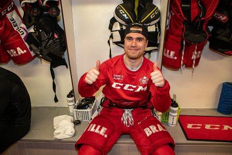 FORNØYD: Henrik Medhus hadde grunn til å smile bredt etter lørdagens seier i Stjernehallen.