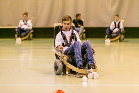 MÅLRETTET: Marius Jelstad-Gulliksen er ukentlig på plass i Kongstenhallen for å spille EL-innebandy med sine lagkamerater.