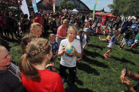 Fredrikstad Cup har i en årrekke satset på at deltagerne skal få en opplevelse utover det sportslige. I 2018 var Heidi Løke et populært innslag.
