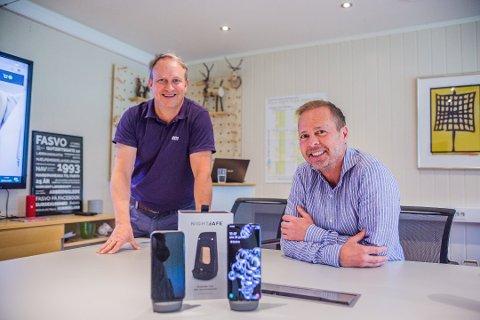 Morten Huth, daglig leder i Fasvo, og Vidar Pedersen, direktør i Snø Designstudio, står bak ideen og utviklingen av mobilladeren NightSafe.