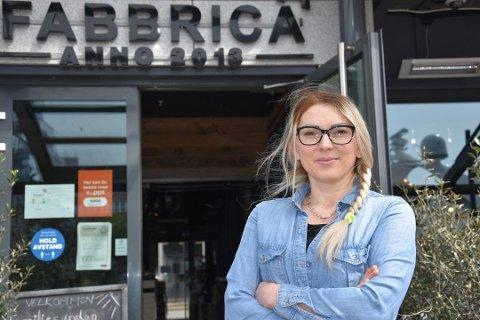 Restaurantsjef Renata Samuel og Pizzeria Fabbrica kunne notere seg for et overskudd før skatt på 165.000 kroner i fjor.