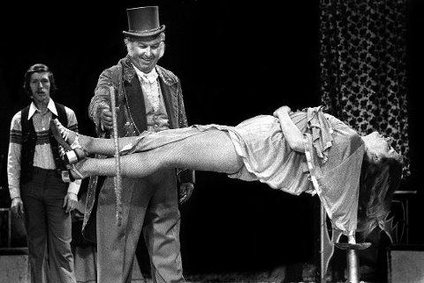Arne «Arnardo» Andersen stablet på bena Norges første omreisende sirkus i 1949.