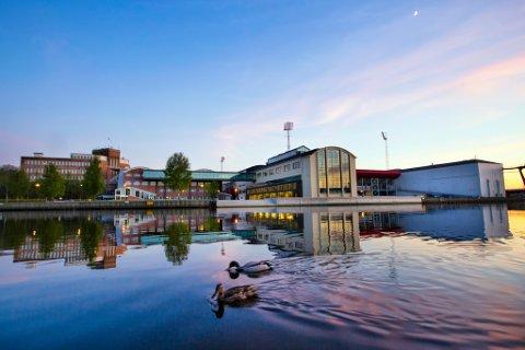 Høgskolen i Østfold ble forrige uke utsatt for samme hacking som Stortinget. Ingen data forsvant.