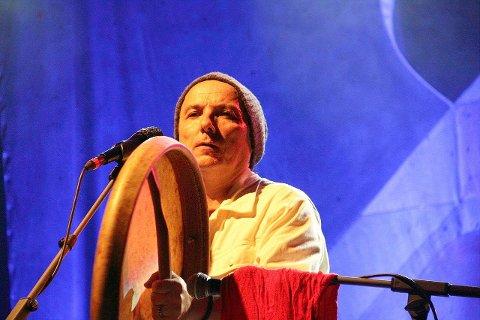 Med sin stemme og sine musikere reiser Torgeir verden rundt som en markant artist innenfor World Music-sjangeren.
