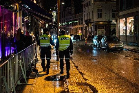 Da FB var med politiet på byen for akkurat et år siden, var situasjonen ganske annerledes enn nå.