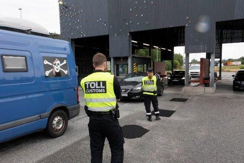 Over 400 personer ble bortvist i Øst politidistrikt forrige uke. I tallene inngår passeringer på Svinesund.