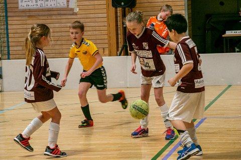 Barn og ungdom må belage seg på flere helger uten kampaktivitet. Fortsatt stans i alle idrettskonkurranser er ett av de nye koronatiltakene i Fredrikstad.
