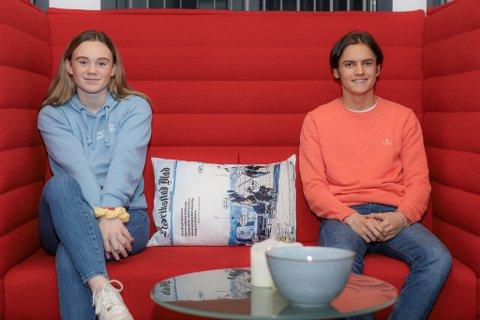 Juliane Pedersen (16) og Emil Røgeberg (17) forklarer at mange på deres alder snuser og drikker alkohol, men at det er lite akseptert å røke sigaretter eller hasj.