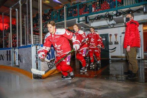 """Emil Buskoven og de andre Stjernen-spillerne skla følge Olympiatoppens opptreningsprogram """"Return to play"""". De første spillerne kan kanskje starte allerede i slutten av uken."""