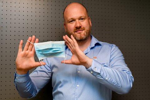 STØTTER: Cyril Frantzen har doktorgrad i molekylær mikrobiologi. Han støtter et munnbindpåbudt i Indre Østfold kommune.